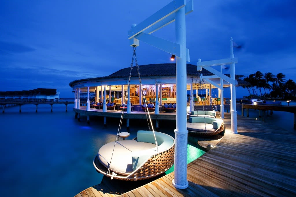 Centara Grand Island Maldives Dining