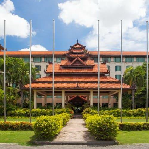 Sedona Hotel Mandalay exterior500