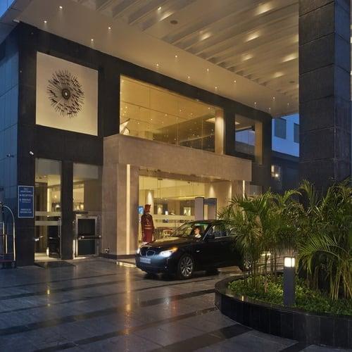 Crystal Sarovar Premiere Hotel Agra500
